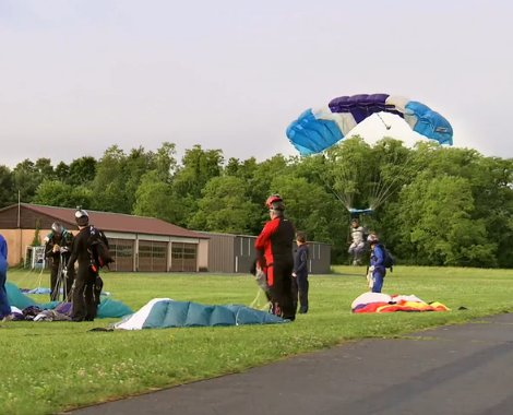 skydivers 2
