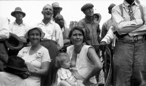 Breastfeeding Public 20th Century