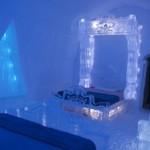 Frozen Themed Guest Suite and Activity Cave at Quebec City's Hôtel de Glace